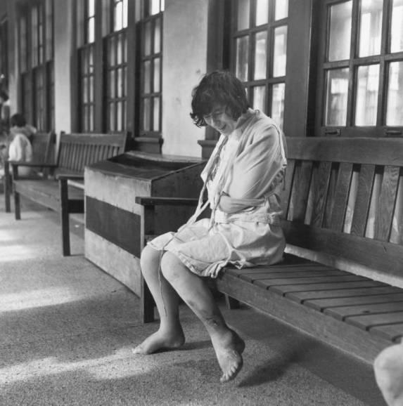 mental-asylums-bench