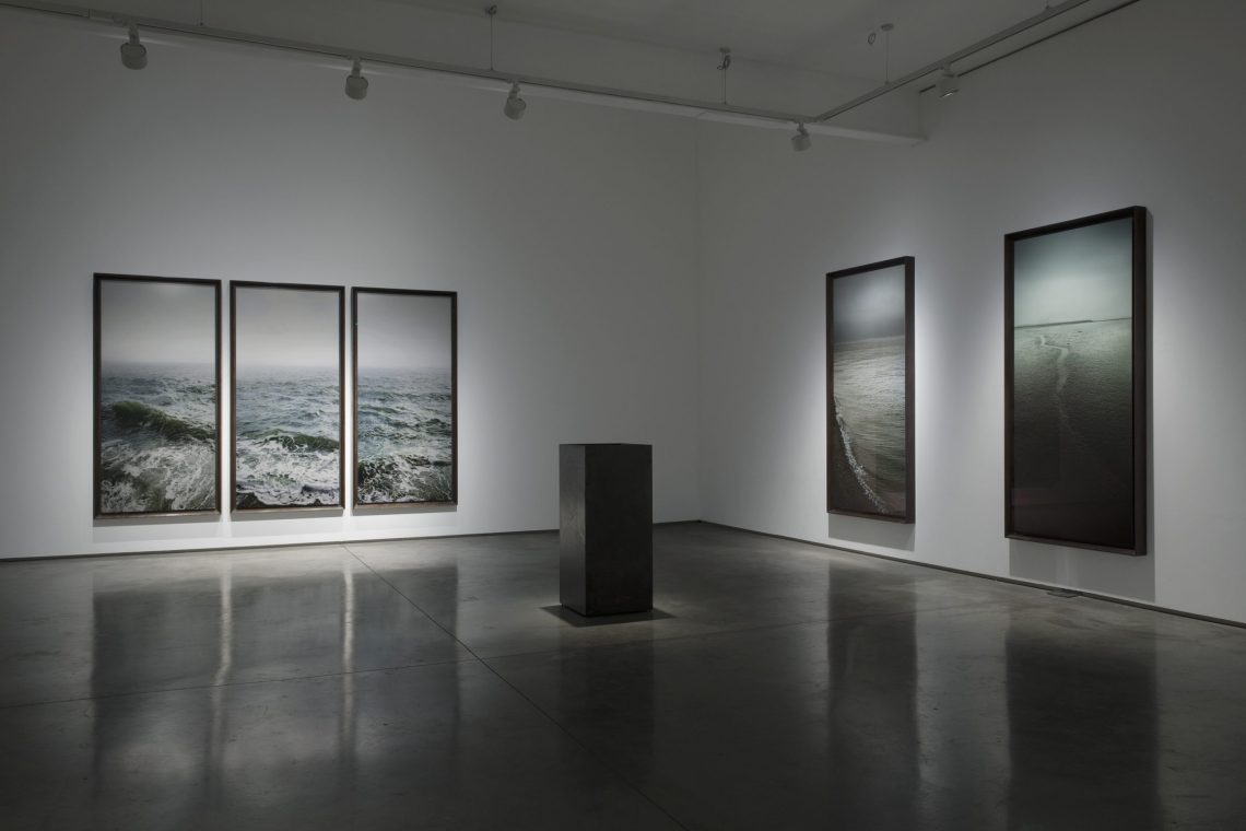 Nadav-Kander-dark-Line-Installation-view1_171211_173832
